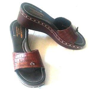 NEW Donald J Pliner Leather Platform Thong Sandals